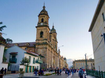 the-primatial-cathedral-of-bogot-in-plaza-bolivar_t20_E4w09Z-min